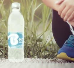 agua purificada embotellada inmaculada bela hidratación deporte haz ejercicio