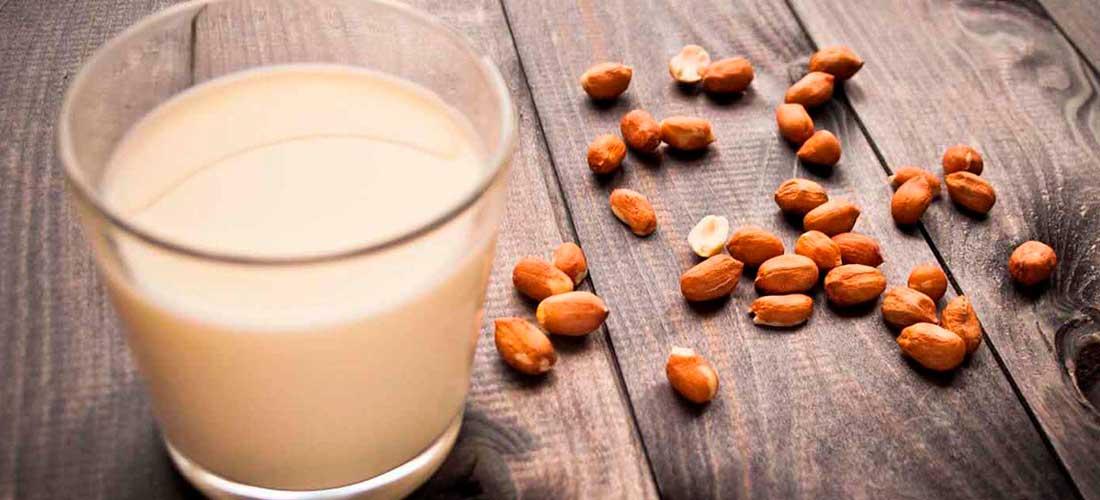 preparar leche de cacahuate maní