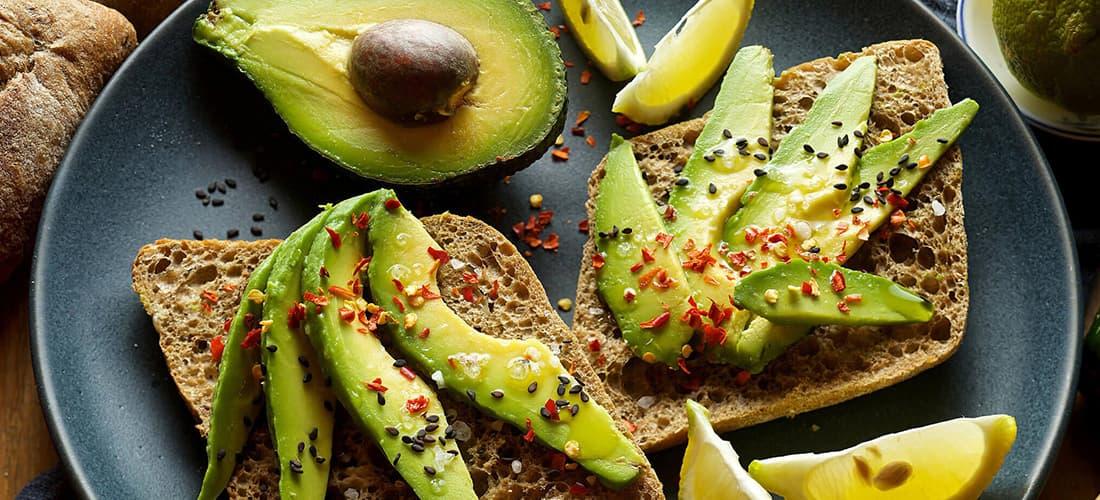 Aguacate alimentos saludables para combatir la ansiedad y el estrés