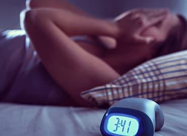 insomnio dificultades para dormir durante cuarentena pandemia coronavirus covid-19 causas y remedios
