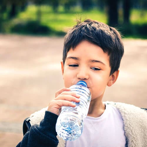 agua embotellada purificada inmaculada hidratación quitar sed